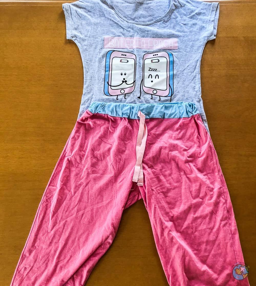 466508a31 Pijama de camisa e calça midi da Mimar Lingerie. o que comprar em Nova  Friburgo